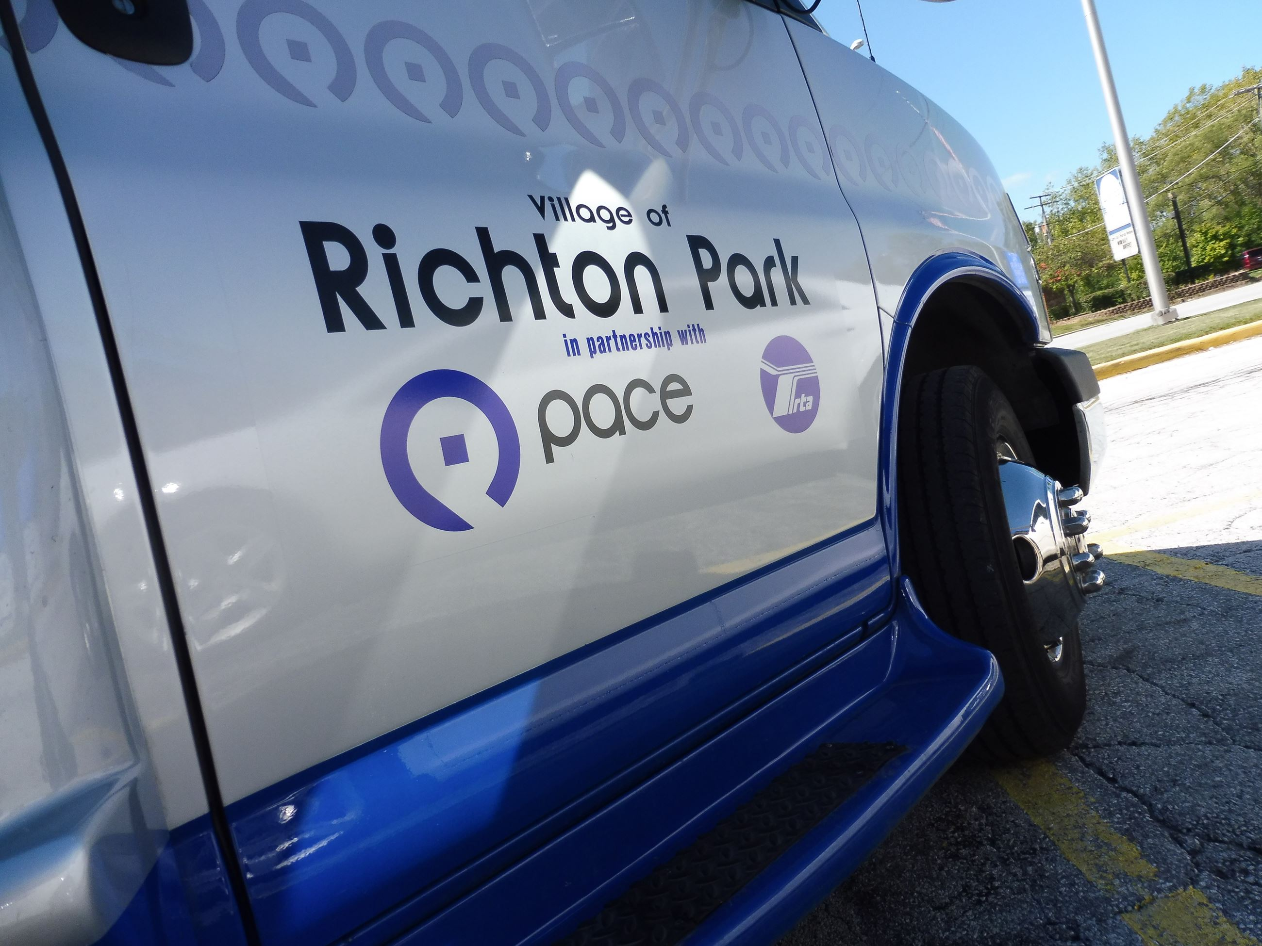 Richton Park Pace Bus - Closeup at angle